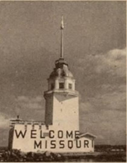 Kız Kulesi'ne Missouri'yi karşılamak için asılan yazı