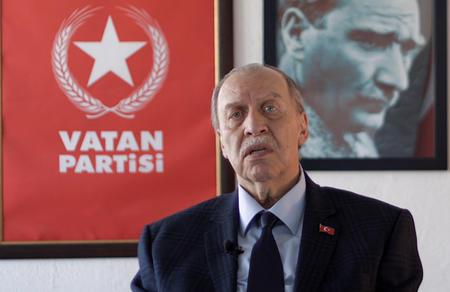 """Yaşar Okuyan: """"Çelişkilere son verilmeli"""""""