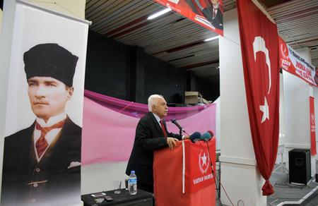 """Doğu Perinçek: """"Atomu parçalayabilirsiniz ama Türkiye'yi parçalayamazsınız"""""""
