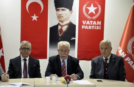 """Doğu Perinçek: """"Türk milleti olarak Ordumuza güveniyoruz"""""""