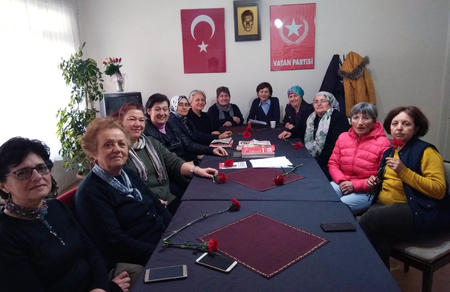 Cephede Savaşan Mehmetçik Annelerine Sesleniyoruz: Yalnız Değilsiniz