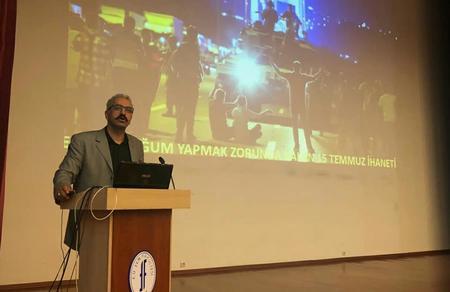 Oktay Yıldırım, İzmir'de üniversite öğrencileriyle buluştu