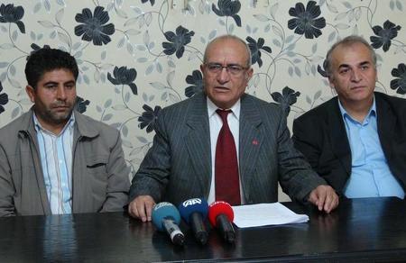 """Mehmet Bedri Gültekin: """"90 üyenin istifa ettiği doğru değildir"""""""