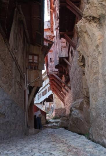 """""""Orda bir köy var uzakta"""", Ahmet Kutsi Tecer'in köyü, bizim köyümüz Apçağa, Yakup Ağagilin sokak."""