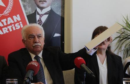 Doğu Perinçek: 'Trump'ın tehdidi boş: ABD gidiyor, PKK bitiyor!'