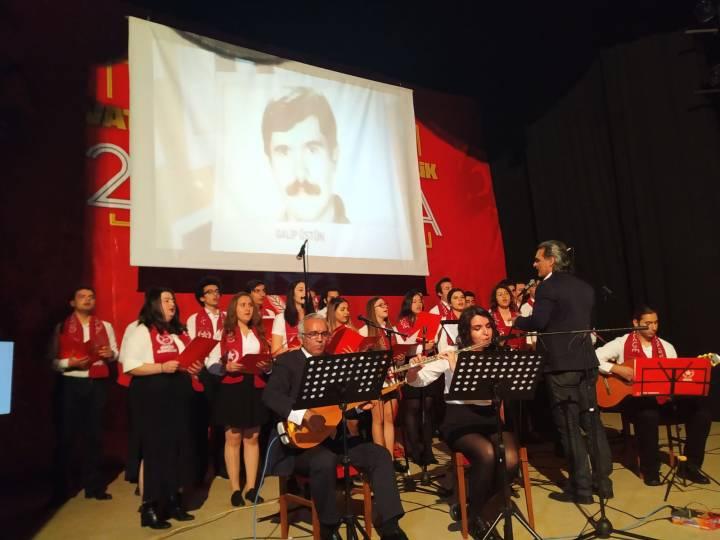 Öncü Gençlik 25. Yıl Korosu