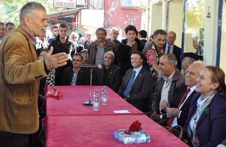 Aydın'ın köylerinde Doğu Perinçek'e yoğun ilgi
