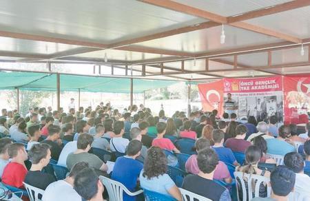 Öncü Gençlik Yaz Akademisi İzmir'de