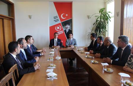 Ekrem İmamoğlu Vatan Partisi'ni ziyaret etti