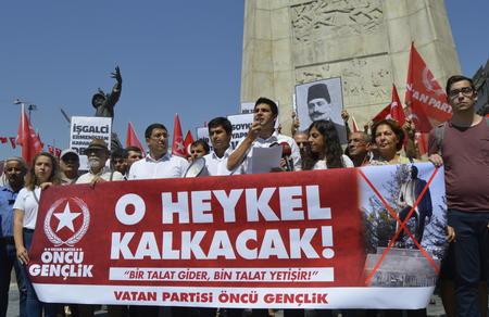 Vatan Partisi Öncü Gençlik: Ermenistan'daki nefret heykeli kaldırılacak