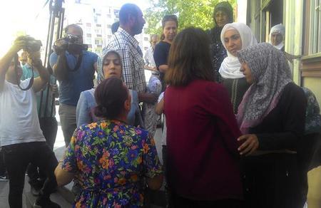 Öncü Kadın, çocukları HDP/PKK tarafından kaçırılan Diyarbakırlı anaların yanında