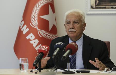 """Doğu Perinçek: Akşener """"Milliyetçi"""" maskeli FETÖ görevine devam ediyor"""