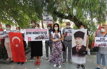 Öncü Kadın Hatay'dan Diyarbakır Annelerine destek eylemi
