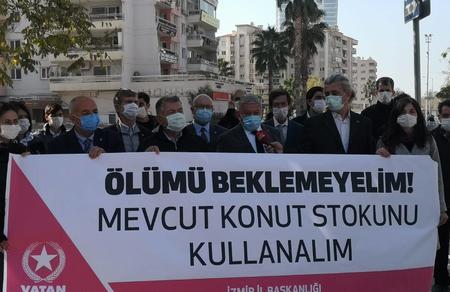 Depremzedeleri İzmir'deki 80 bin boş konuta yerleştirelim