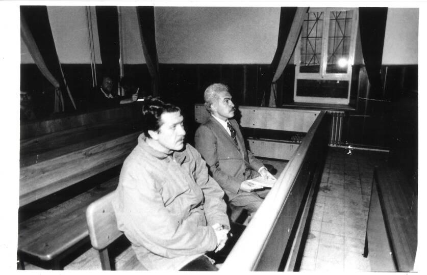 Doğu Perinçek ve Adnan Akfırat duruşma salonunda.